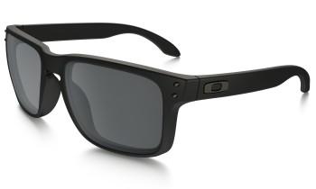 oakley-holbrook-matte-black-black-iridium-front
